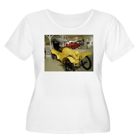 1914 Rocket Car Women's Plus Size Scoop Neck T-Shi