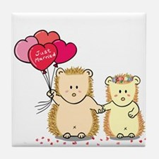 Cute hedgehog couple with balloons (just married)
