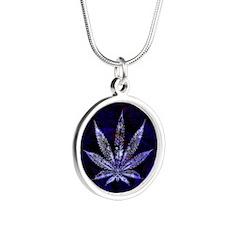 Blue Leaf Montage Silver Round Necklace