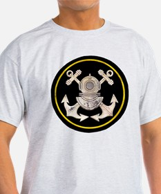 3-Bolt Dive Helmet and Anchors T-Shirt