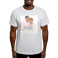 Laptop use - T-Shirt