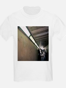 Drug dealing - T-Shirt