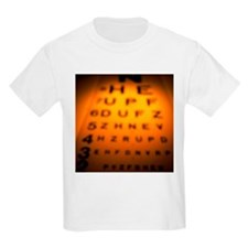 Blurred view of a Snellen eye test chart - T-Shirt