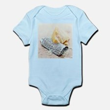 Parmesan cheese and grater - Infant Bodysuit