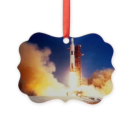 Launch of Apollo 11 spacecraft en route to Moon -