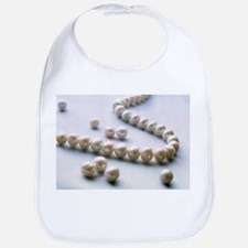 Pearl necklace - Bib