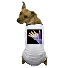 Hand and DNA molecule - Dog T-Shirt