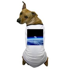 Moon rising over Earth's horizon - Dog T-Shirt