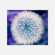 Dandelion seed head - Throw Blanket