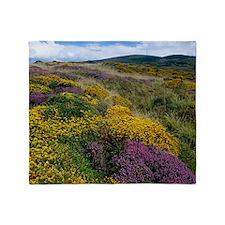 Mixed wildflowers on moorland - Throw Blanket