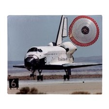Space shuttle landing - Throw Blanket