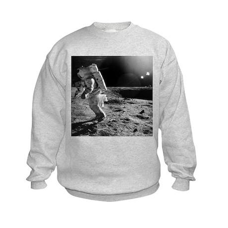 Apollo 12 astronaut on the Moon - Kids Sweatshirt