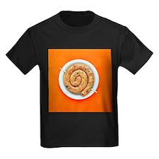 Coiled sausage - Kid's Dark T-Shirt