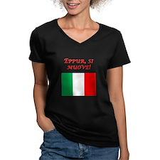 Italian Proverb It Moves Shirt