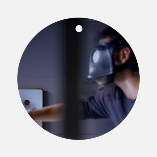 Gas mask emergency - Round Ornament