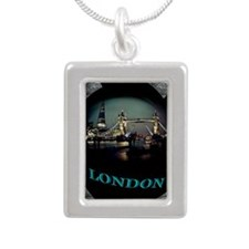 london bridge tshirt art illustration Silver Portr