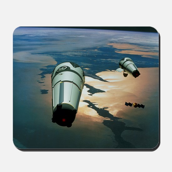 Computer artwork of Roton rockets in orbit - Mouse