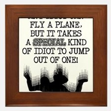Special Idiot Skydiver Skydiving Funny T-Shirt Fra
