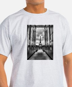 Eiffel tower viewed from wall for peace T-Shirt