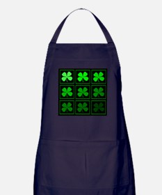 saint patricks day quad darkd Apron (dark)