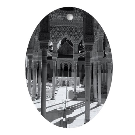 The Alhambra Ornament (Oval)