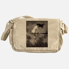 22 Messenger Bag