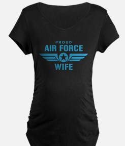 Proud Air Force Wife W T-Shirt