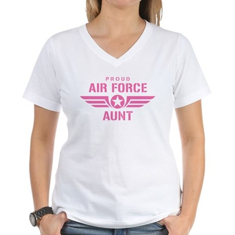 Proud Air Force Aunt W [pink] Women's V-Neck T-Shi