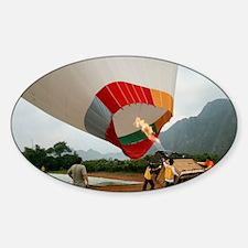Launching a hot air balloon - Sticker (Oval)
