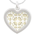68 queen of hearts crowns Silver Heart Necklace