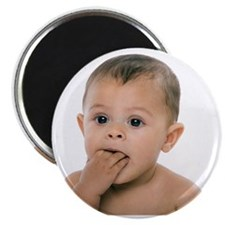 Teething baby girl - Magnet