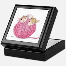 Close Knit Friendship Keepsake Box