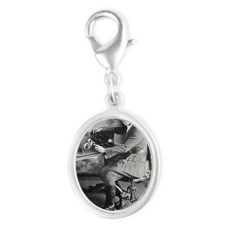 oneer - Silver Oval Charm