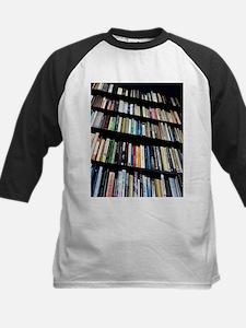 Books on bookshelves - Tee