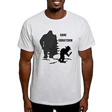 Gone Squatchin print T-Shirt