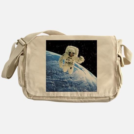 r Earth - Messenger Bag