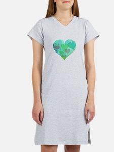GREEN HEART DESIGN cute abstract Women's Nightshir