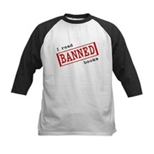 """I read banned books""  Tee"