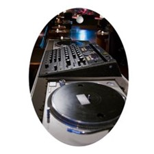 Turntable and mixing board Ornament (Oval)