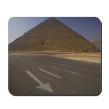 Egypt, Giza, Pyramid of Khufu (Cheops), r Mousepad