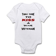 kiss a veteran Infant Bodysuit