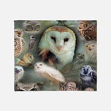 Happy Owls Throw Blanket