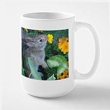 baby bunny horizontal design Mug