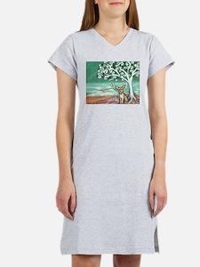 chihuahua spiritual love tree Women's Nightshirt