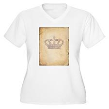 Vintage Pink Royal Crown Plus Size T-Shirt