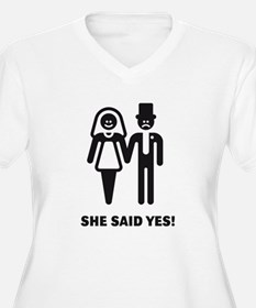 She said yes! (Wedding / Marriage) T-Shirt