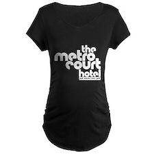 metro court Maternity T-Shirt