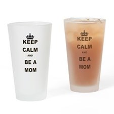 KEEP CALM AND BE A MOM THE FAMOUS KEEP CALM CROWN