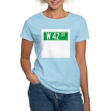 W 42 St., New York - USA Women's Pink T-Shirt