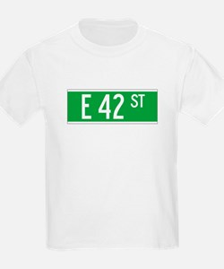 E 42 St., New York - USA Kids T-Shirt